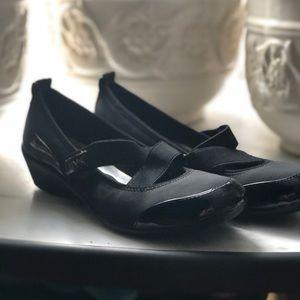 Anne Klein sports sandals size 8.5